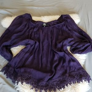 NWT Bobeau Plum crochet lace cold shoulder blouse